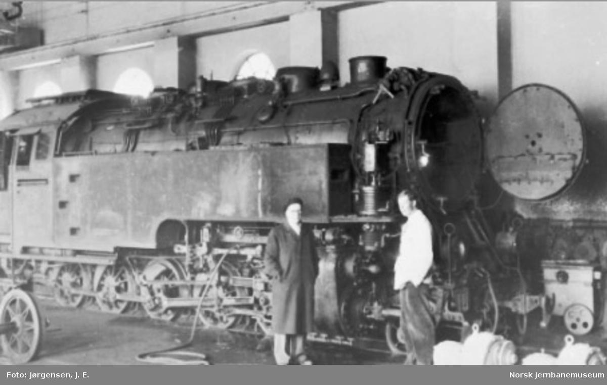 Thamshavnbanens damplokomotiv nr. 99.221 på verkstedet Thamshavn