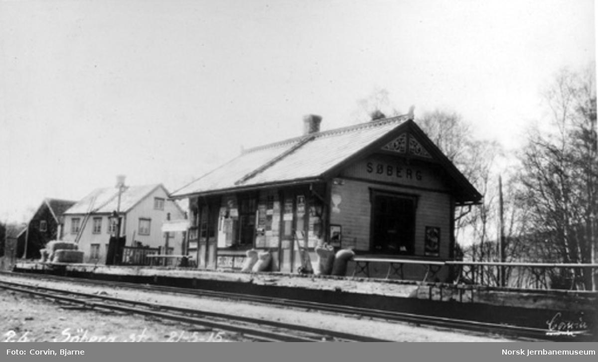 Søberg stasjon med stasjonsbygningen