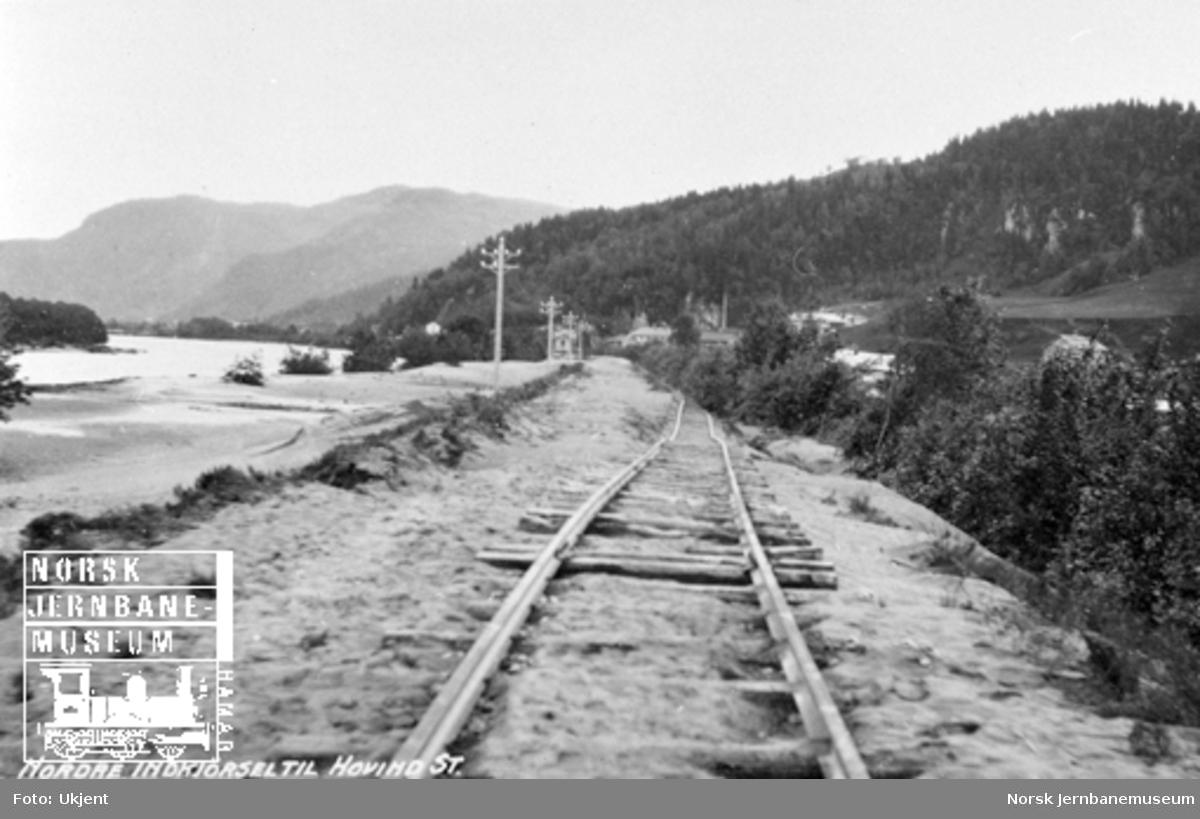 Hovin stasjon : sporet ved nordre innkjøring til stasjonen etter flommen