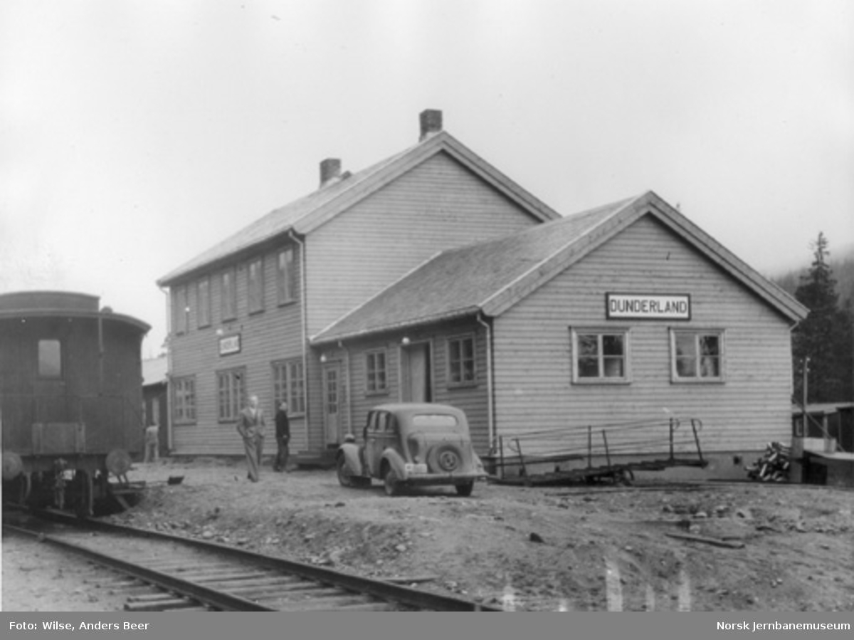 Dunderland stasjon med provisorisk plattform