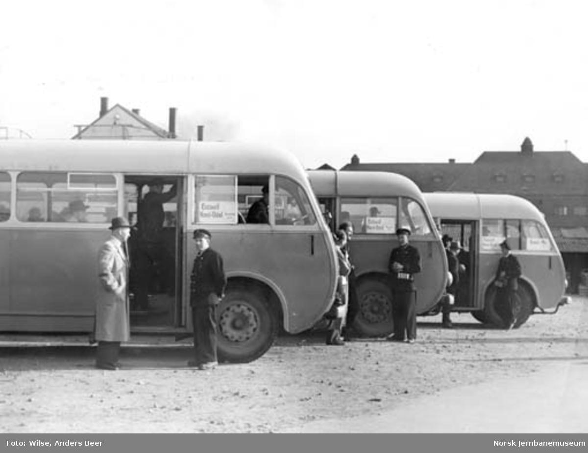 Busser på NSBs busstasjon på sjøsiden av Oslo Ø