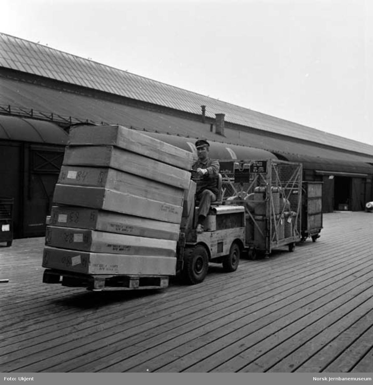 Gaffeltrucker på godsekspedisjonen Oslo Ø