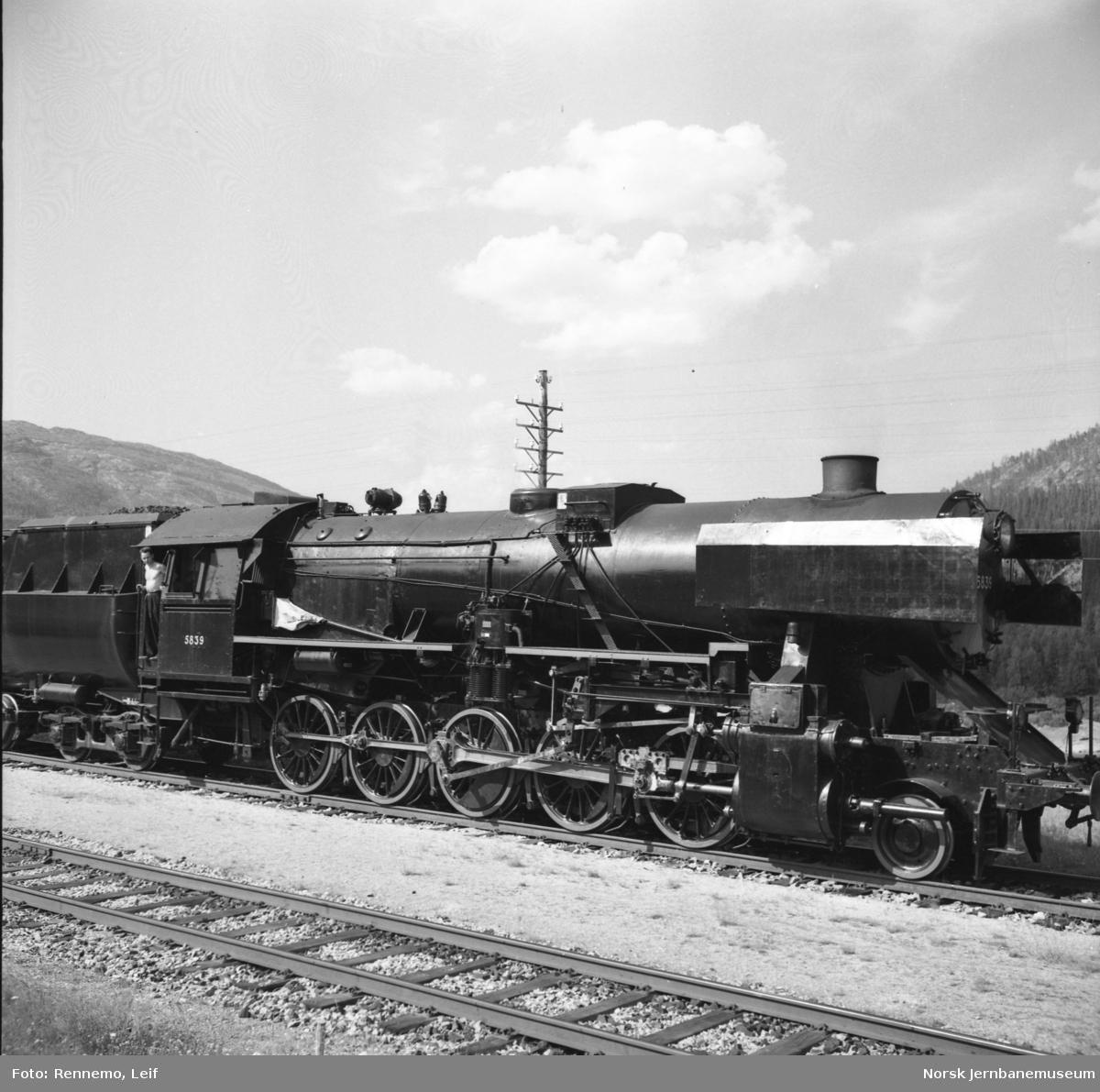 Damplokomotiv type 63a nr. 5839