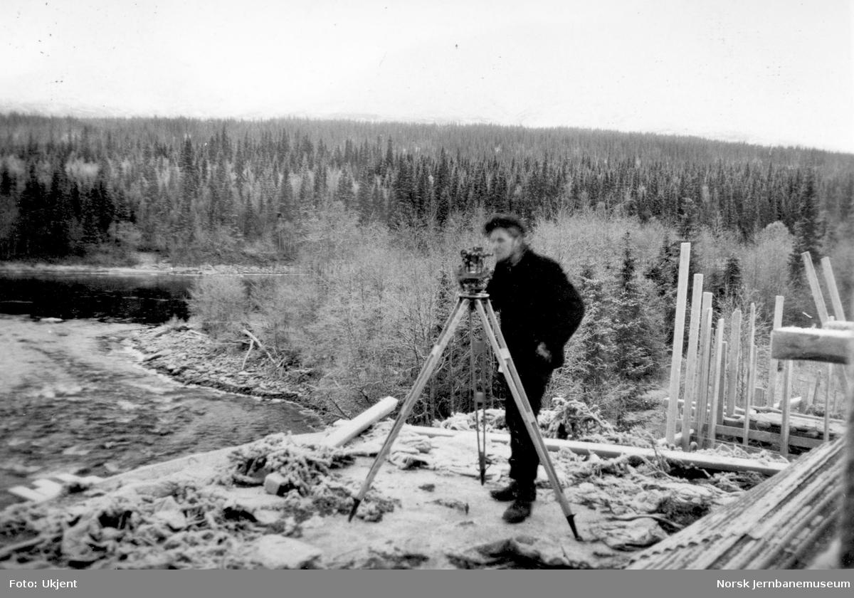 Bygging av Grønfjellåga bru : innsikting