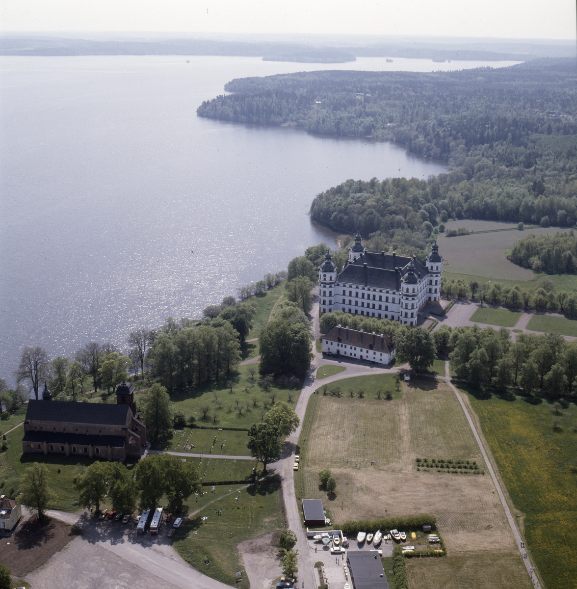 Vy över Skoklosters slott och slottpark vid Mälaren, Skokloster socken, Uppland, juni 1989