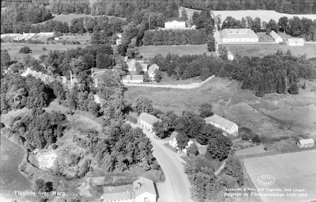 Flygfoto över Hargs bruk, Hargs socken, Uppland 1958