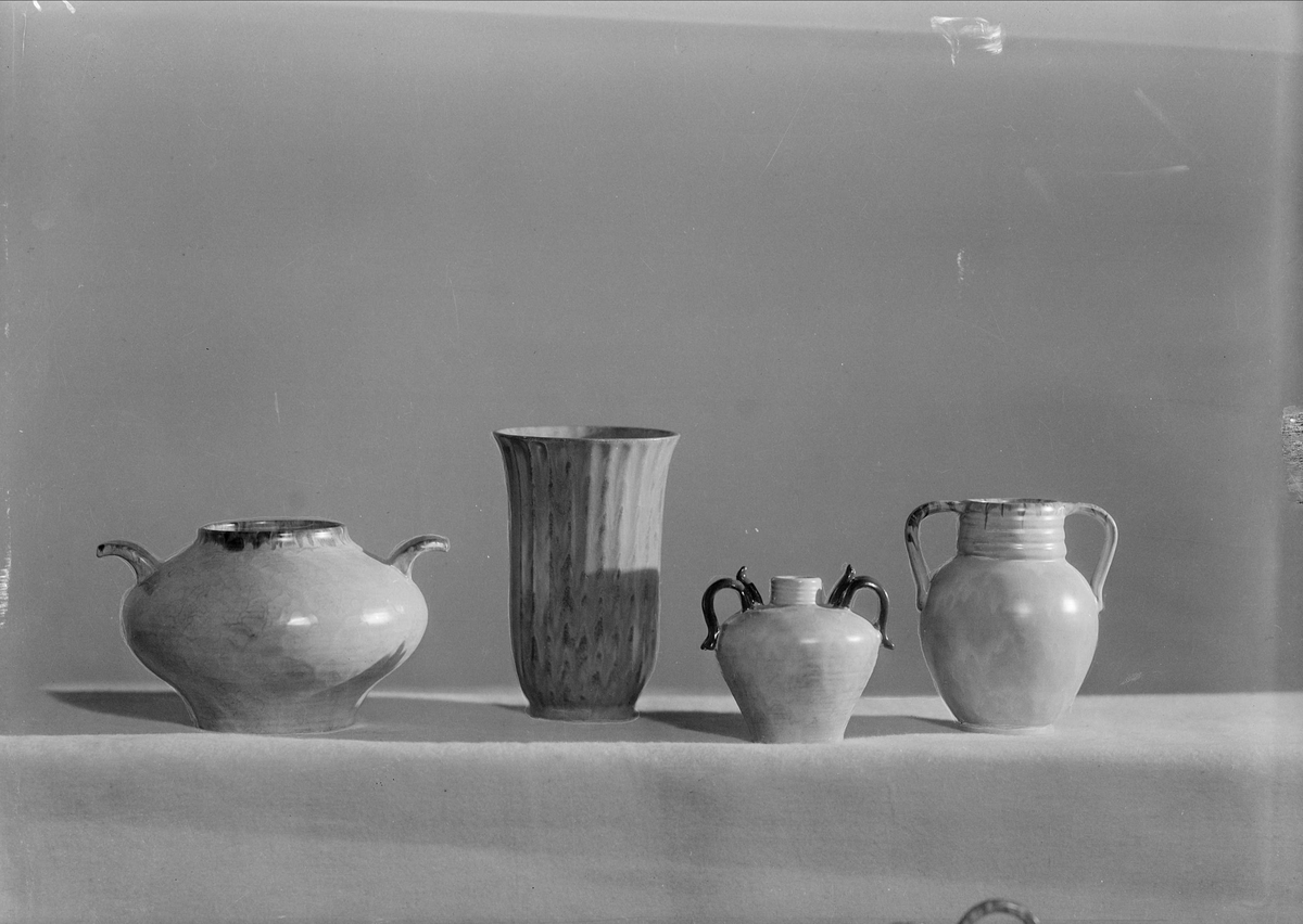 Keramikvaser från Upsala-Ekeby AB, Uppsala