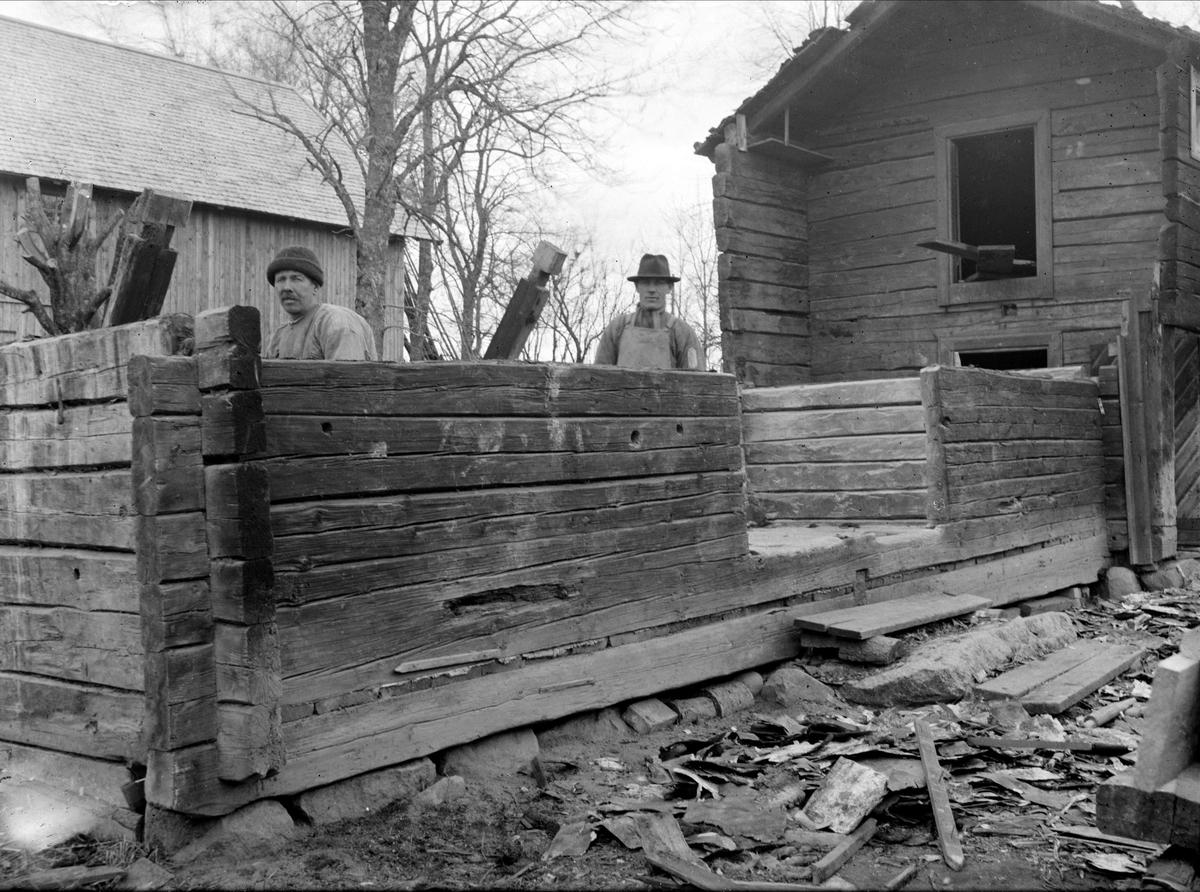 Loftbod - nu på friluftsmuseet Disagården - under nedmontering i Gränby, Björklinge socken, Uppland