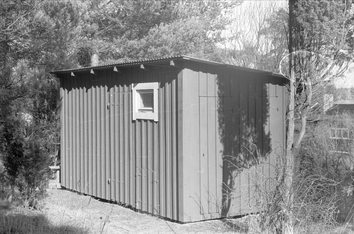 Uthus, Östa 2:12, Ärentuna socken, Uppland 1977