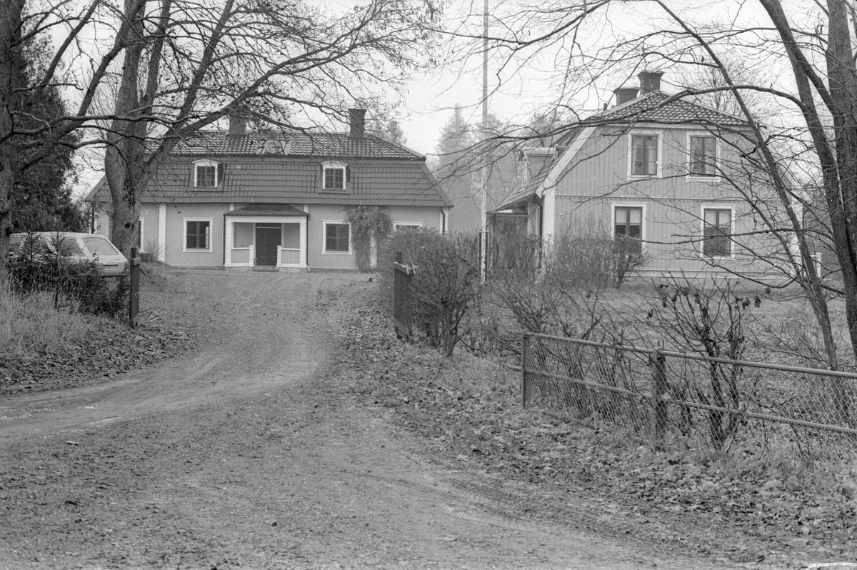 Inkörsvägen från söder till Trollbo 1:1, Vattholma, Lena socken, Uppland 1978