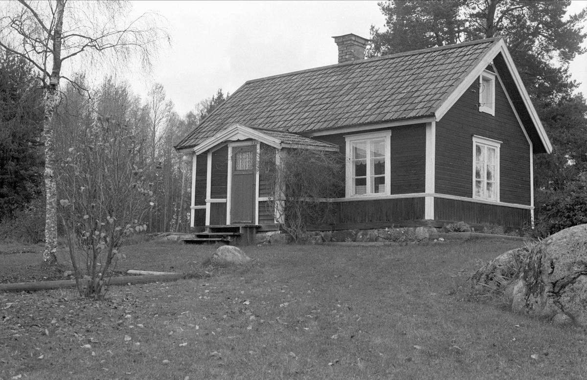Bostadshus, Bodarna 15:2, Ramsta socken, Uppland 1984