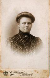 Portrett av Gurine Refsnes fra Grindheim.