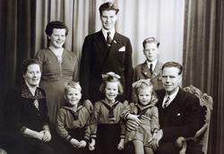 Familiebilde av familien Håland, Audnedal.