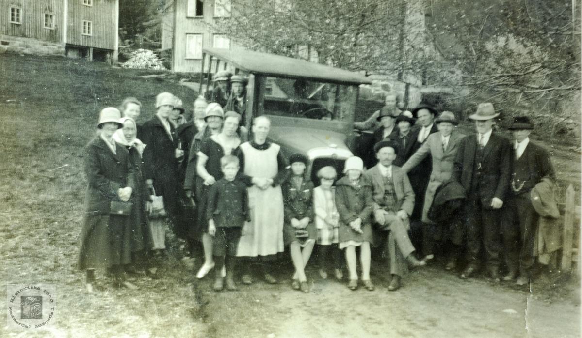 På busstur fra Høyland i Grindheim. Audnedal.