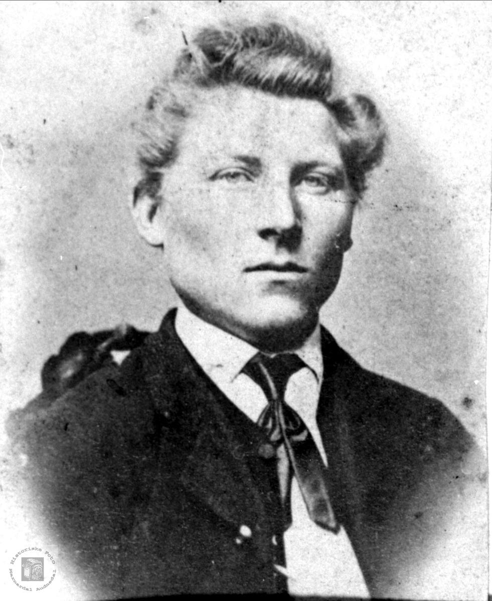 Portrett av Gunder Glomsaker, Glomså i Laudal.