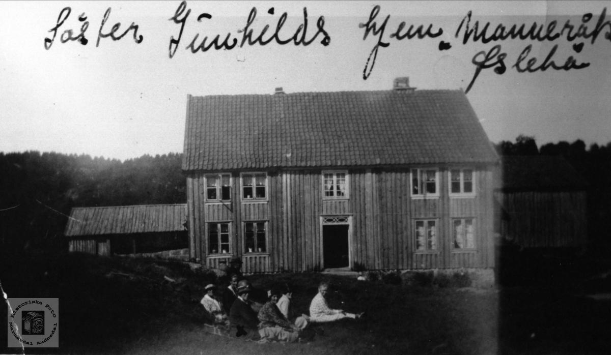 Gamlehusa på Manneråk i Øyslebø.