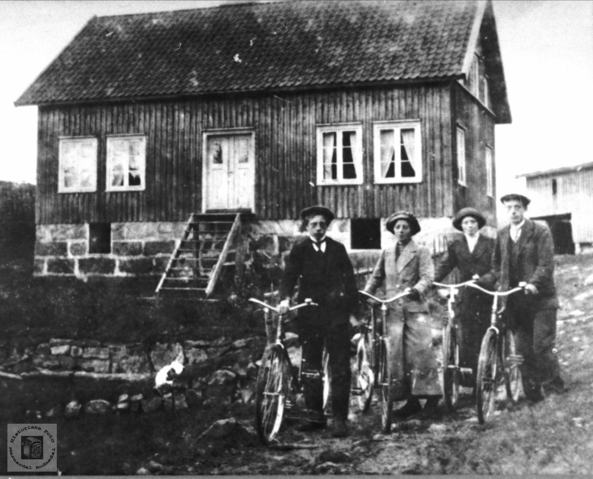 Hus på Solås i Øyslebø.