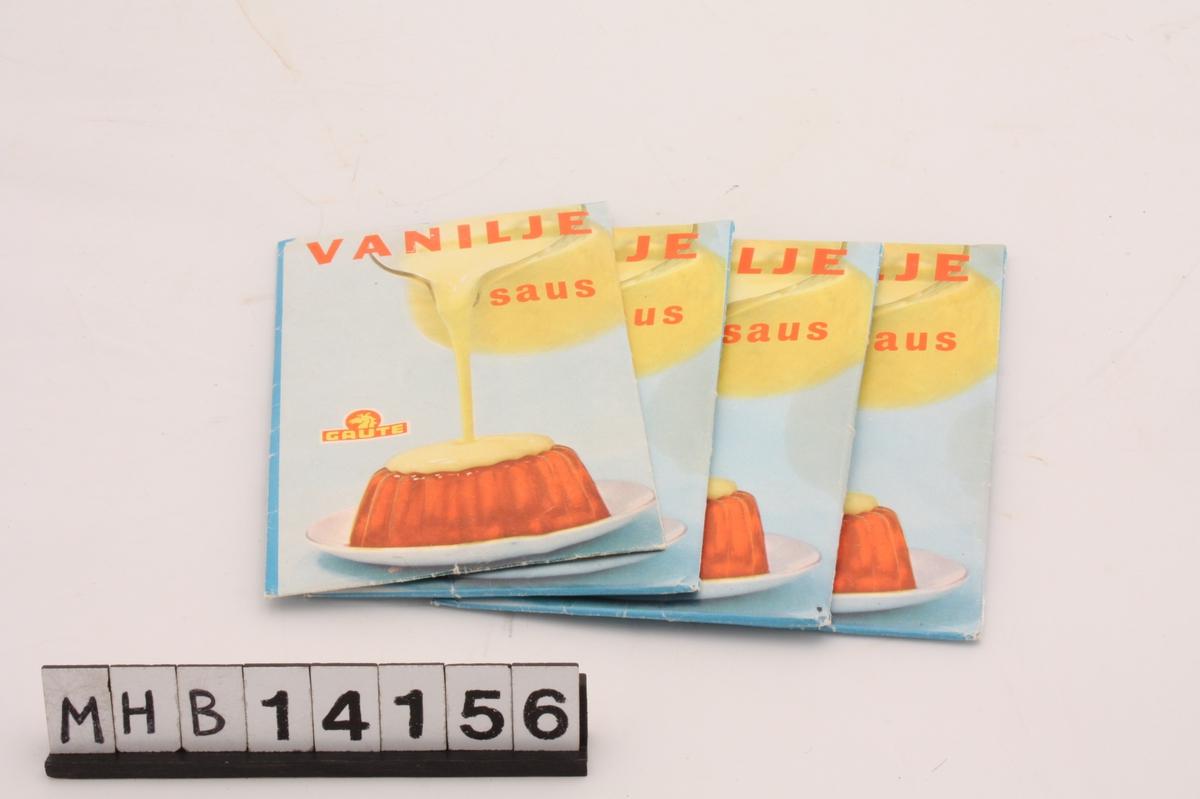 Rektangulær papirpose som inneholder pulver til å lage vaniljesaus. På fremsiden av posen er et bilde av vaniljesaus som helles over rød gele på et glassfat. På baksiden er bruksanvisning.