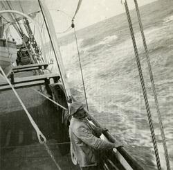 Kaptein Helgesen ombord i Fullrigger 'Manx King'(b. 1884, Ri