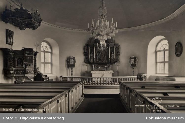 """Tryckt text på bildens framsida: """"Interiör av Grinneröds kyrka. Äkta fotografi. Ensamrätt & foto: O. Lilljekvists Konstförlag Dals Långed H 688."""""""