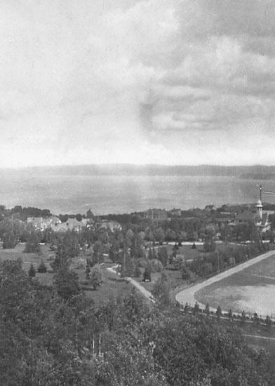Jönköpings stadspark med restaurant Alphyddan till höger, 1918