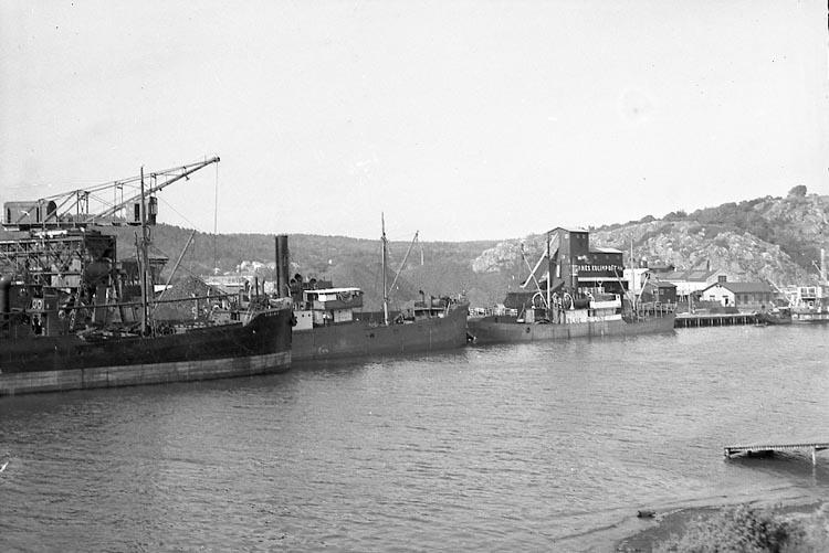 """Enligt notering: """"Båtar i Hamnen 20/7 1948""""."""