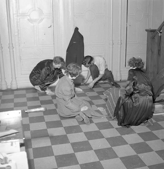 """Enligt notering: """"Plattläggning Almqvist U-a 1956???""""."""