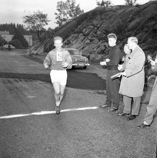 """Enligt notering: """"DM Maraton 5/10 57""""."""