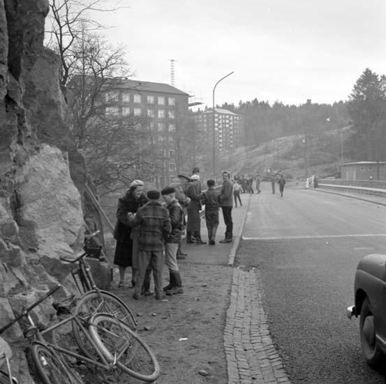 """Enligt notering: """"Skogspromenaden d 30/11 -58""""."""