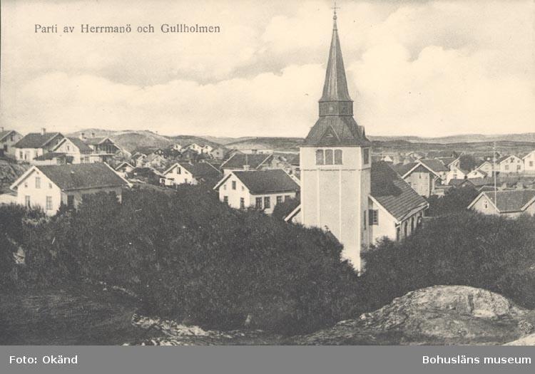 """Tryckt text på kortet: """"Parti av Herrmanö och Gullholmen"""".      ::"""