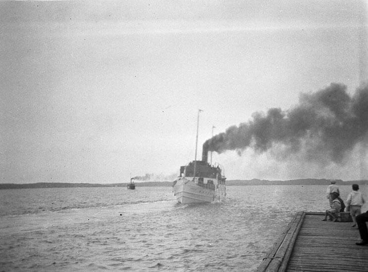 """Enligt text som medföljde bilden: """"Ångaren Bohuslän""""."""