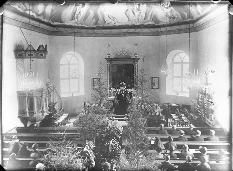 "Enligt fotografens beskrivning: ""1931, 136. Herr Gottfrid Winbergs begravning""."