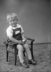 """Enligt fotogragens journal nr 7 1944-1950: """"Andersson, Fru S"""
