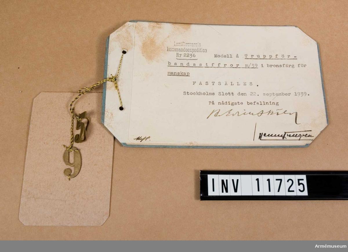 Siffror m/1939, truppförbands-, manskap.Grupp C I.Truppförbandssiffror m/1939 i bronsfärg för manskap. Fastställd 19410404. Modellexemplar.