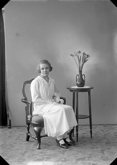 """Enligt fotografens journal nr 6 1930-1943: """"Olsson, Karin Nösnäs, Här""""."""