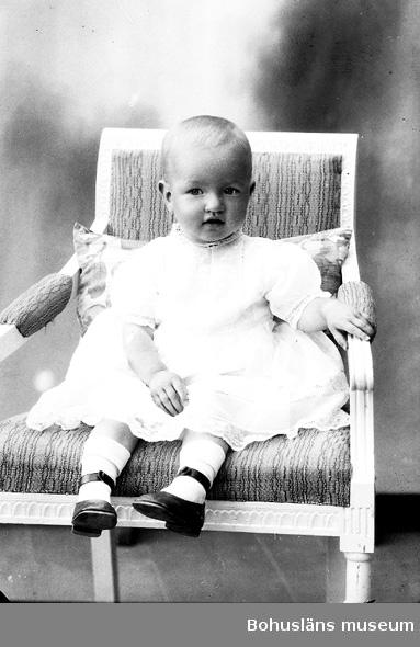 "Enligt fotografens journal nr 5 1923-1929: ""Classon, Inga-Maj Stormstugan""."