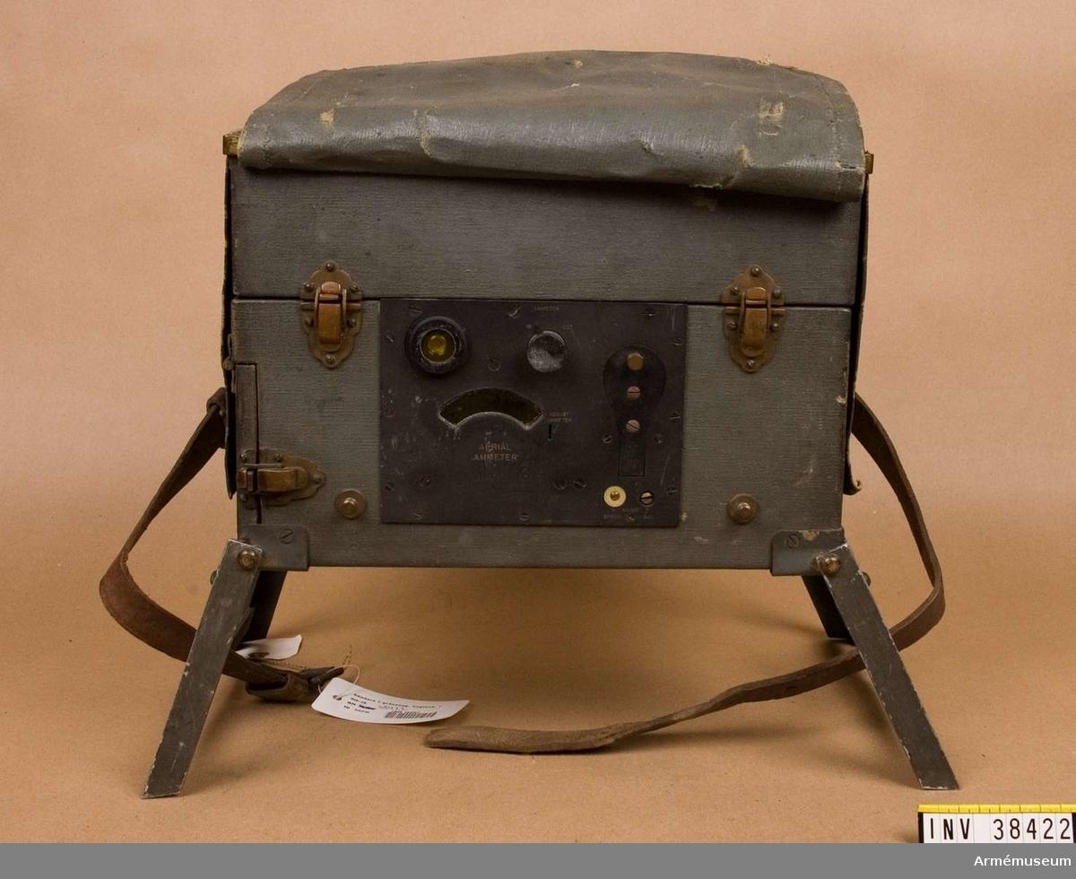 Grupp H II.  Engelsk radiosändare och mottagare 1916-18.