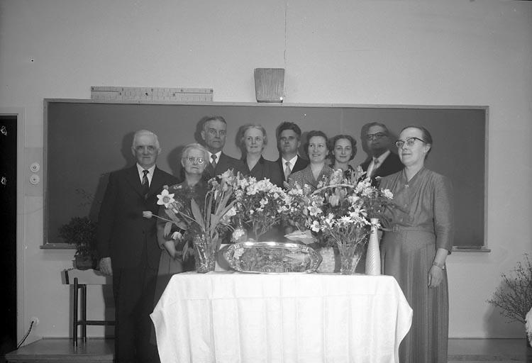 """Enligt fotografens journal nr 9 1958-: """"Svenungsson, Fr. Ingrid Nytorps skola Stenungsund""""."""