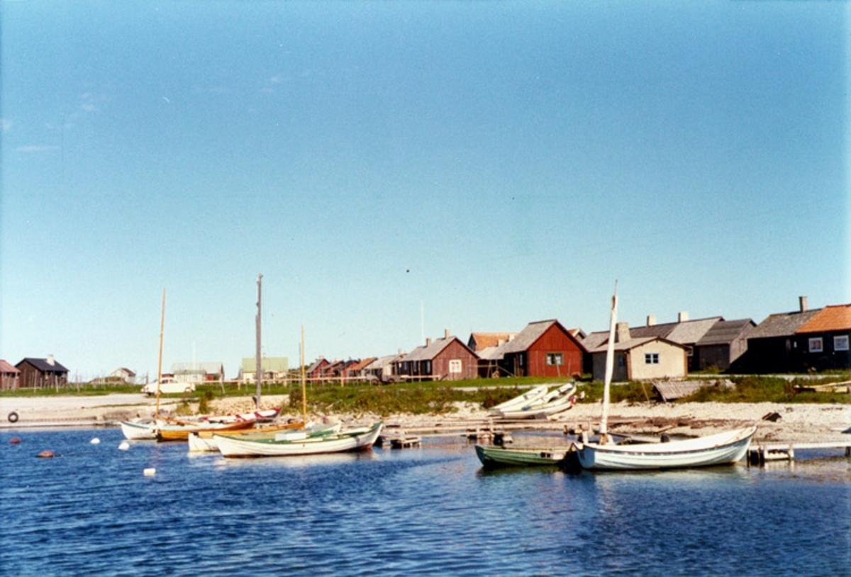 Skrivet på baksidan: Kronvalls fiskeläge, Gotland 1972