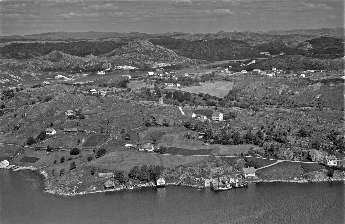 Hellvik, Trosaviga