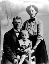 Familjebilder, Pär Pärsgården, familjen Nordlund, f d barnhe