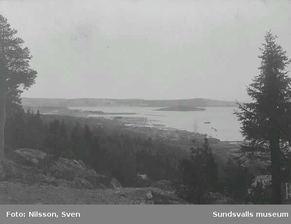 Vy över Sundsvallsfjärden med Tjuvholmen.