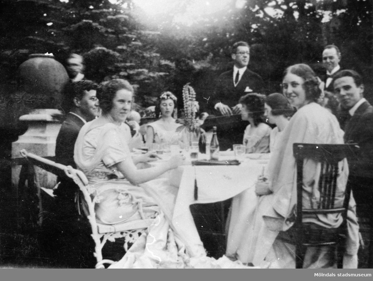 Fru Nyström, fru Mackeprang, Heyman och fru Curman på Gunnebo slott, 15 september 1923.