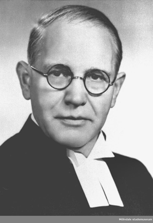 Oskar Hyllner, Björkeris prästgård, Tölö, var kyrkoherde i Tölö pastorat (Tölö, Älvsåker och Lindome). Han blev kontraktsprost i Fjäre-Viske kontrakt och avled hastigt 1953.