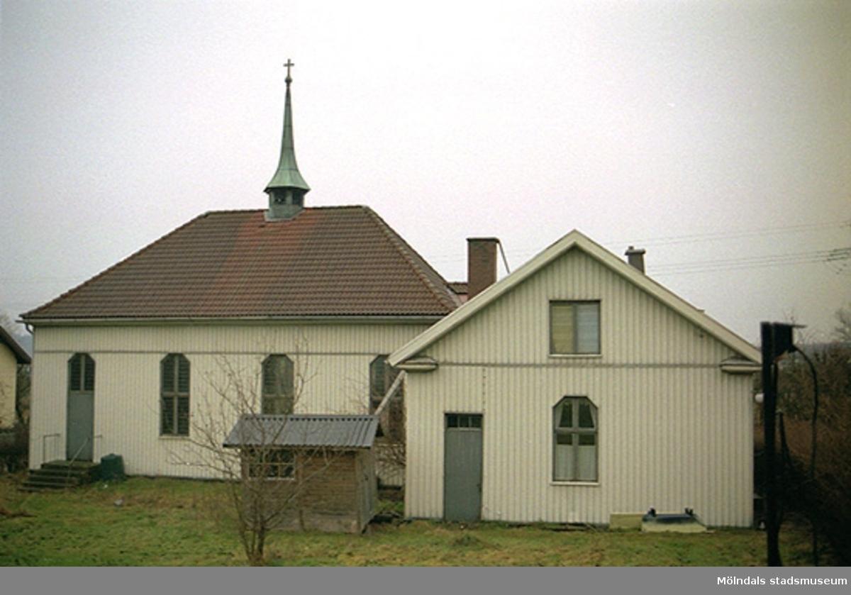 Vy från öster av f.d. Metodistkyrkans baksida, oktober 1998 - januari 1999. Relaterade motiv: 2002_0936 - 0945.