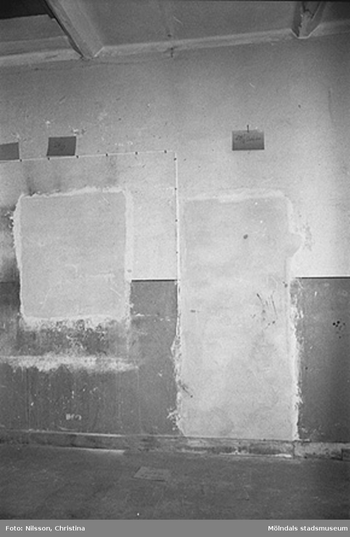 Murvägg i Werners fabriker, Lindome. Hösten 1994.