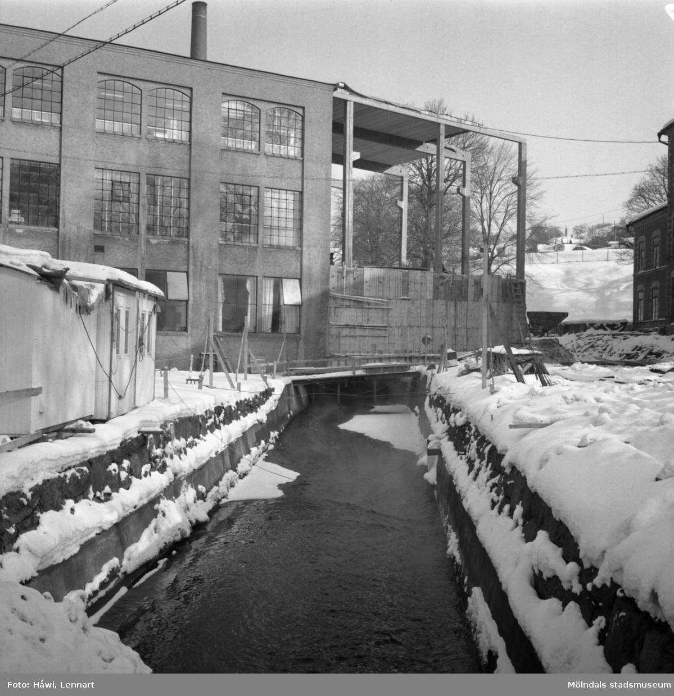 Byggnad nr 19 och 2 på Papyrus i Mölndal, 16/2 1963. Tillbyggnad 1962-1963.
