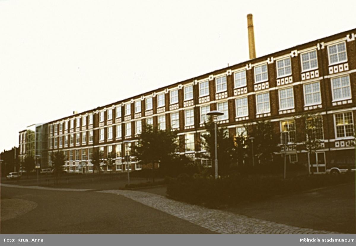 Kängurun 18. Krokslätts fabriker. F.d. Väveriet från öster.