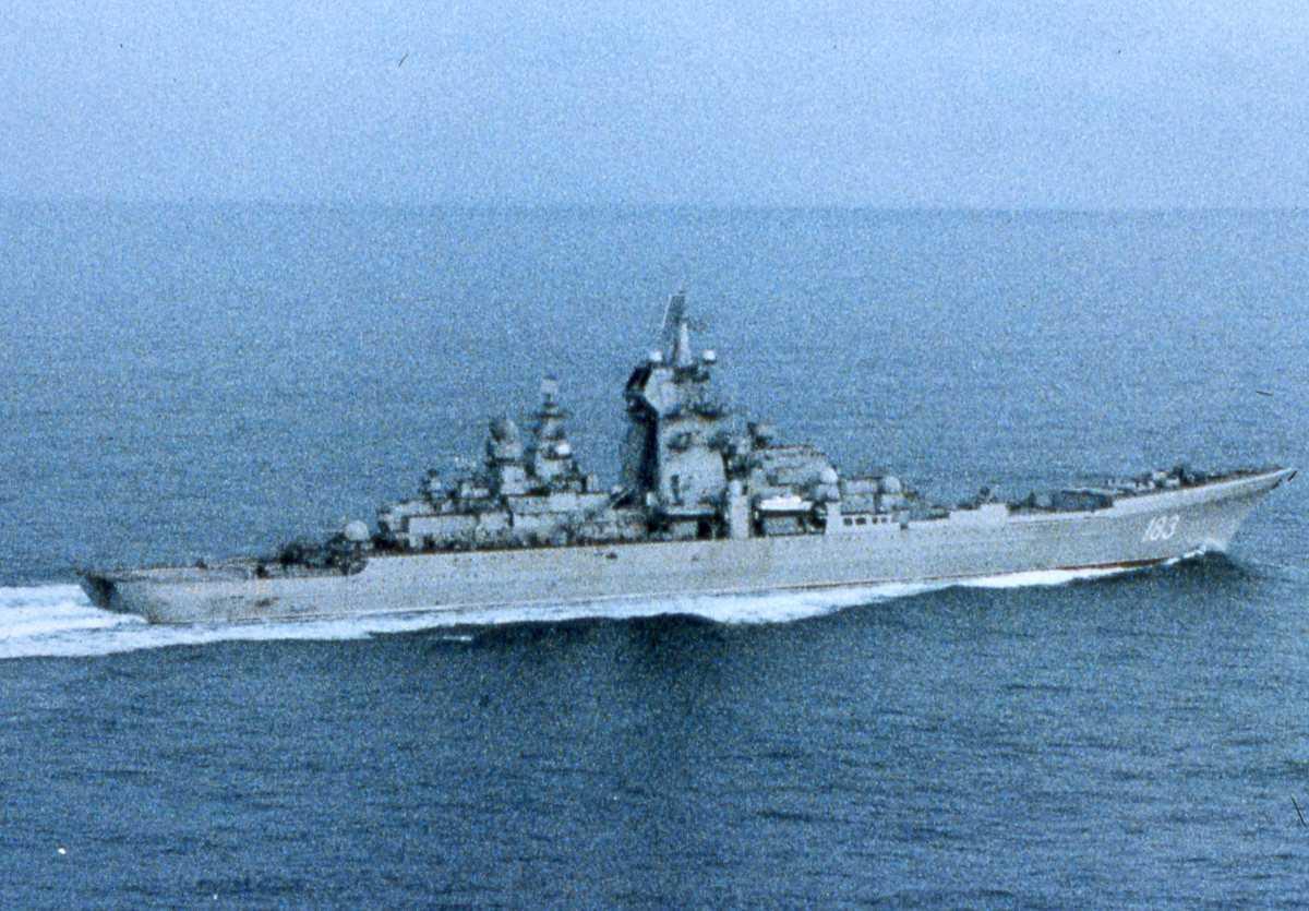 Russisk fartøy av Kirov - klassen som heter Puotr Velikiy med nr. 183 (ex Yuri Andropov).