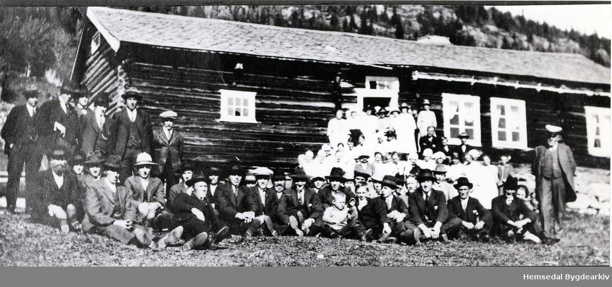 Misjonsfest på Markegard i Hemsedal kring 1920 (tidspunkt noko usikkert)